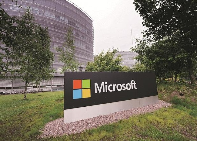 Microsoft soars past $800 bn in value after bumper growth in software biz
