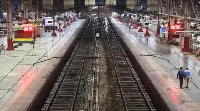 Dirty railway stations? Now WhatsApp pictures to Western Railways