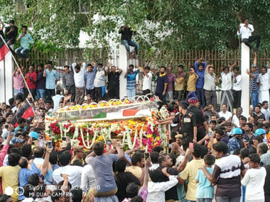 Petty politics over Karunanidhi's burial site lacks honour for the dead, may cost AIADMK and NDA dear in 2019