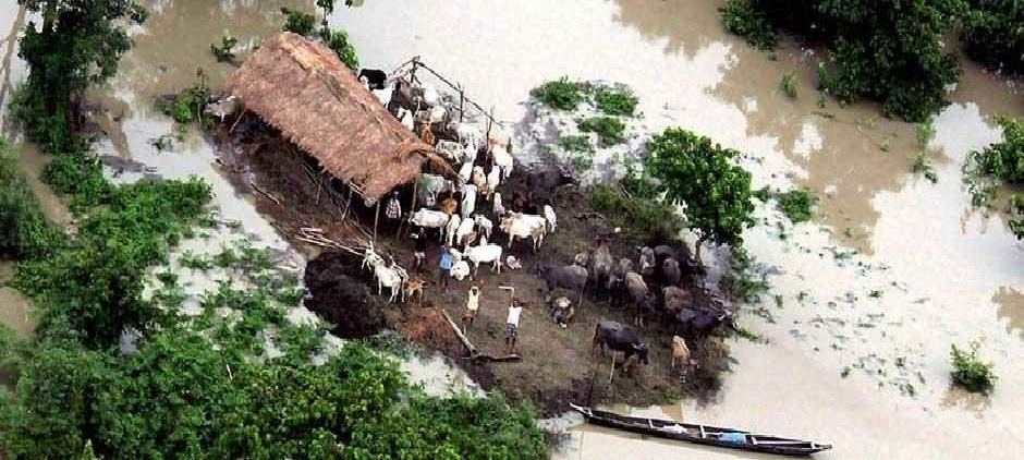 After Kerala deluge, India's North East faces flood warning due to unprecedented spate in China's Tsangpo; 12 killed in Nagaland
