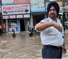 CM Amarinder Singh to honour two traffic head constables for rain duty