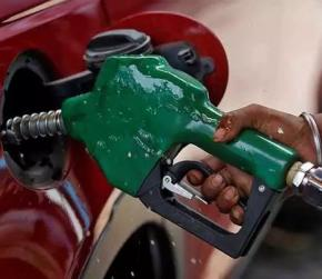 Petrol Costs Rs. 80 Or More In Three Metros; Cheapest In Delhi