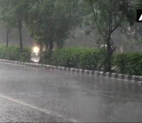 Heavy Rains Lash Parts of Delhi-NCR, cause waterlogging in several parts of city