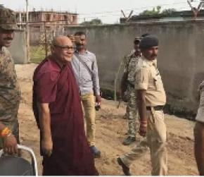 Humein yahan se nikalo: Child in Gaya told visiting monk