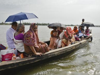 Kerala CM Vijayan informed 483 dead 14 missing in Kerala Floods